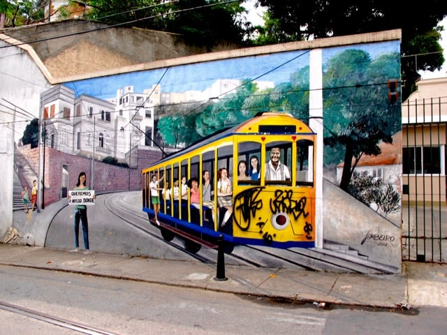 street-car-santa-teresa-graffiti-photo