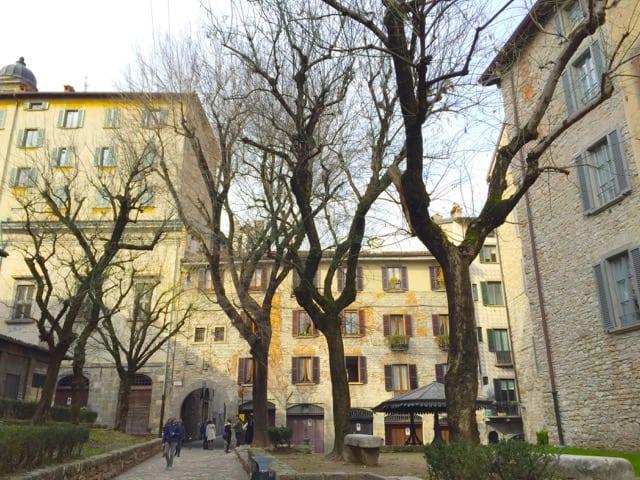 bergamo-piazza-photo