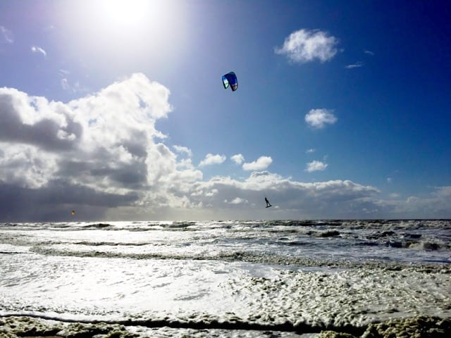 kite-surfing-holland-photo