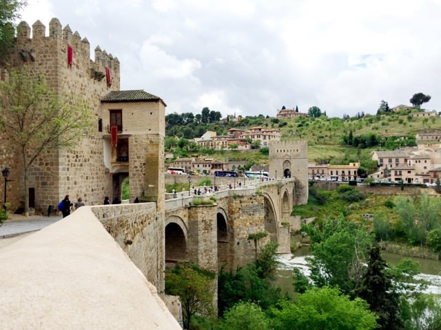 puente-san-martin-bridge-toledo-photo