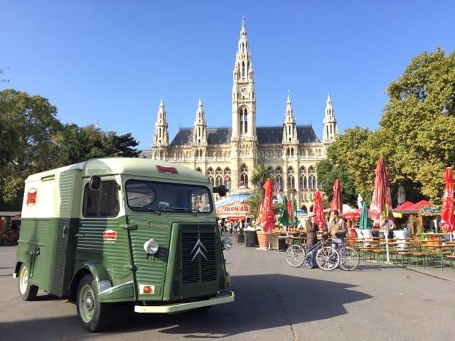 rathaus-vienna-walking-tour-photo