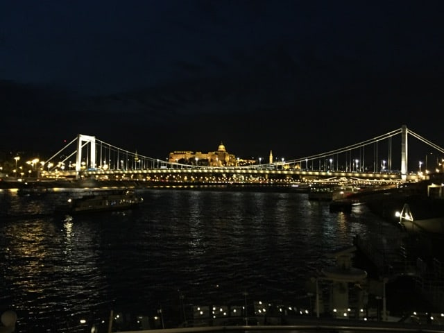 budapest river cruise photo