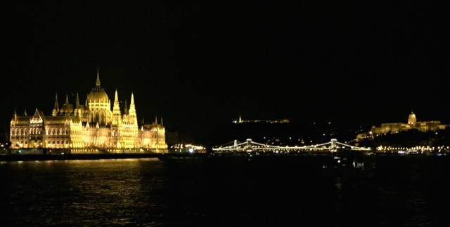 danube-river-cruise-budapest-photo