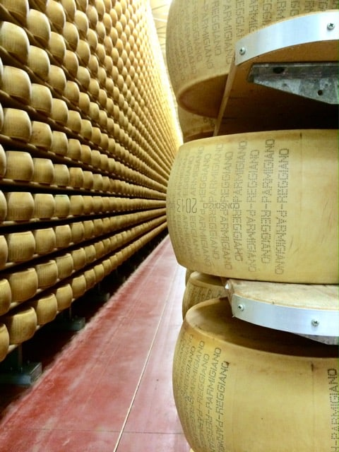 parmigiano-reggiano-modena-photo
