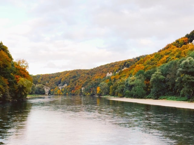 danube-narrows-fall-colours-photo