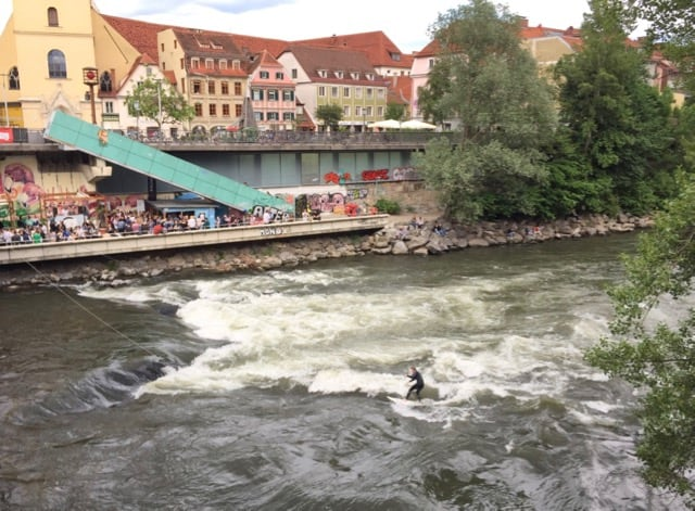 river-surfing-graz-photo