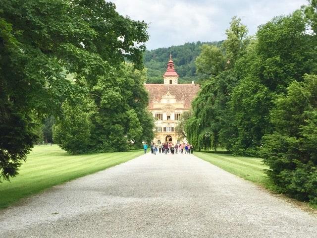eggenberg-palace-gardens-photo