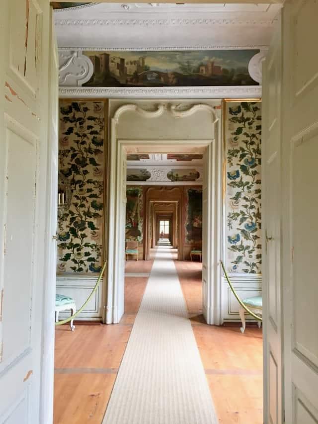 schloss-eggenberg-state-rooms-hallway-photo