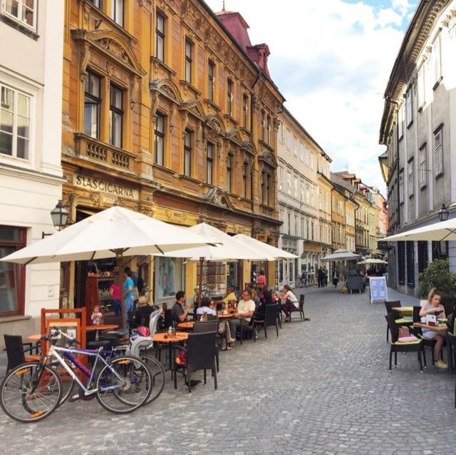 stari-street-trg-ljubljana-photo