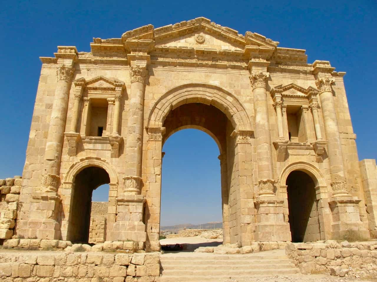 hadrians-arch-jerash-jordan-photo