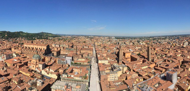 asinelli-tower-view-bologna-photo