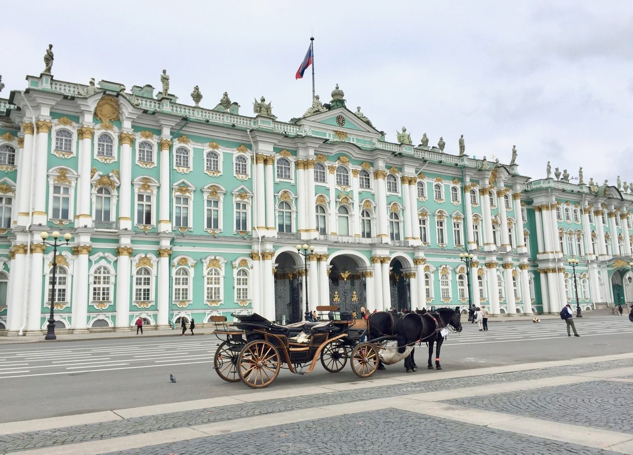 hermitage-museum-saint-petersburg-photo