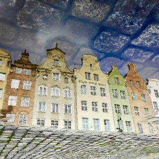 dlugi-targ-gdansk-houses-reflection-photo