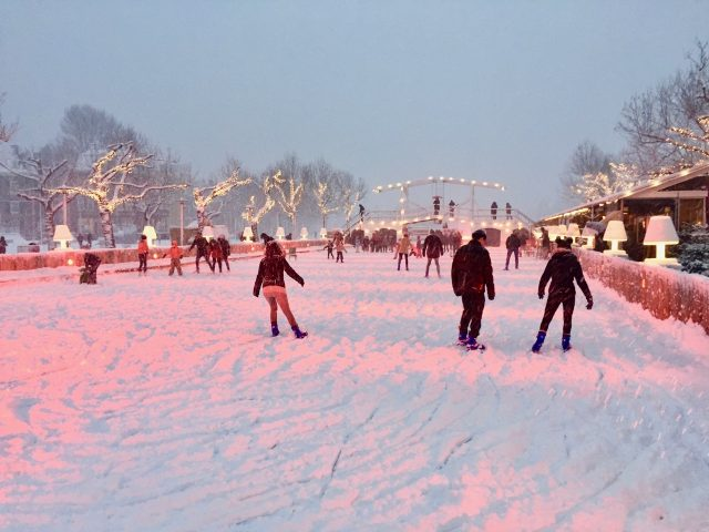 ice-skating-museumplein-amsterdam-photo