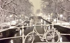 winter-scene-amsterdam-photo