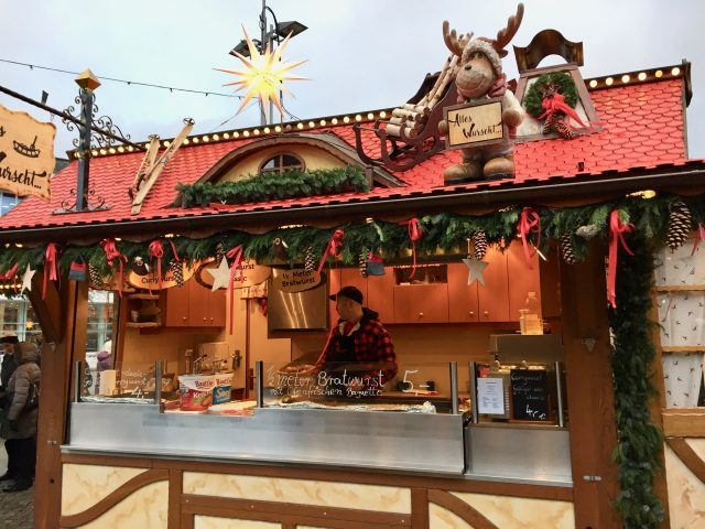 food-stall-striezelmarkt-dresden-photo
