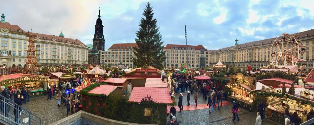 striezelmarkt-christmas-market-dresden-photo