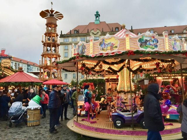 striezelmarkt-dresden-photo