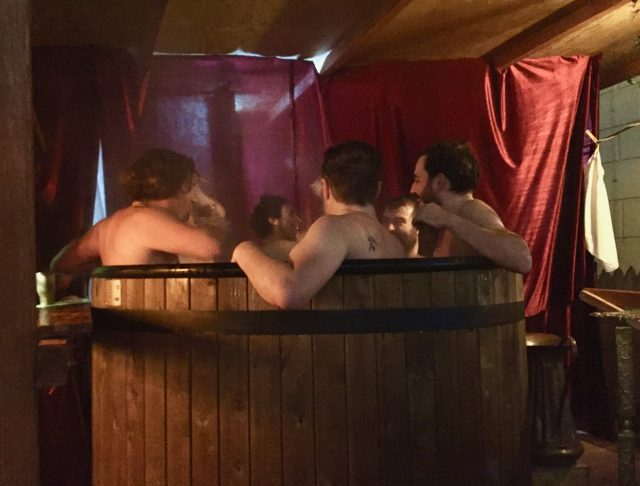 hot-tub-medieval-christmas-market-dresden-photo
