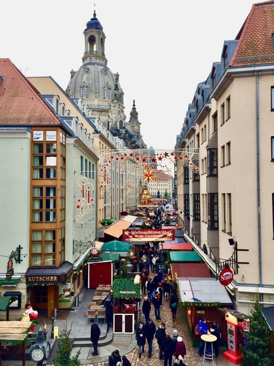 weihnachtsmarkt-an-der-frauenkirche-photo