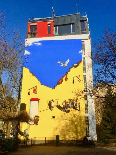 building-mural-schoeneberg-berlin-photo