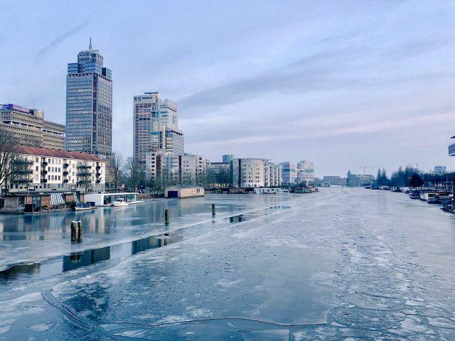 frozen-amstel-river-amsterdam-photo