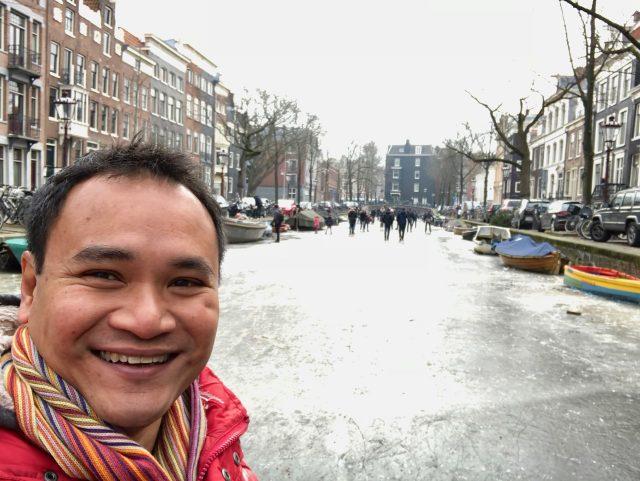 velvet-escape-frozen-canals-amsterdam-photo