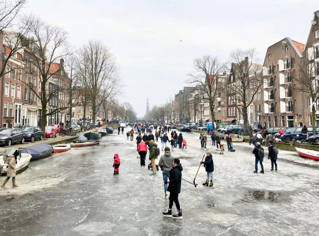 ice-skating-frozen-canals-amsterdam-photo
