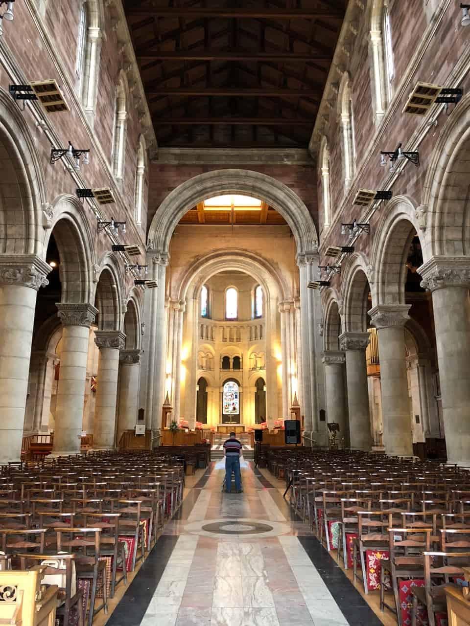 st-annes-cathedral-belfast-interior-photo