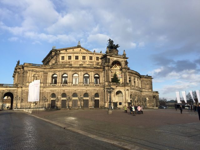 semper-opera-house-dresden-photo