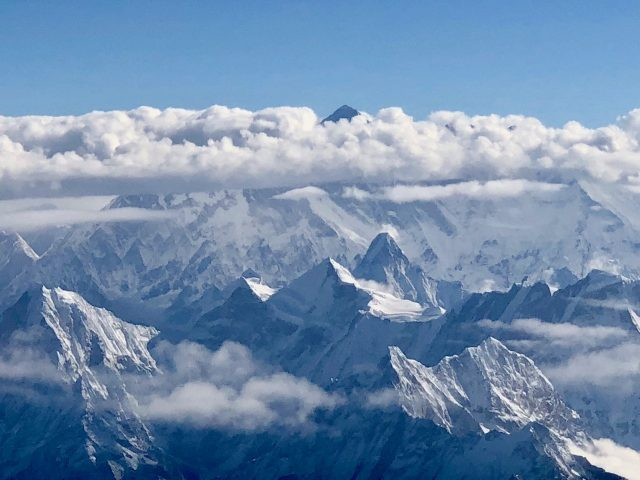 mount-everest-view-plane-window-photo