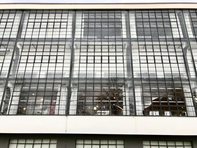 bauhaus-school-dessau-windows-photo