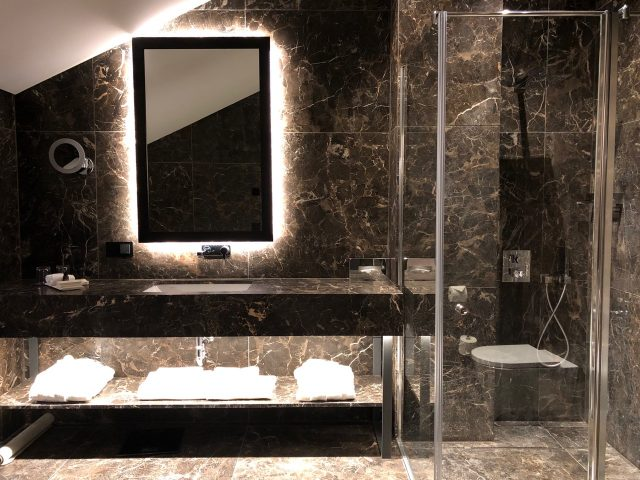 hotel-pacai-vilnius-bathroom-photo