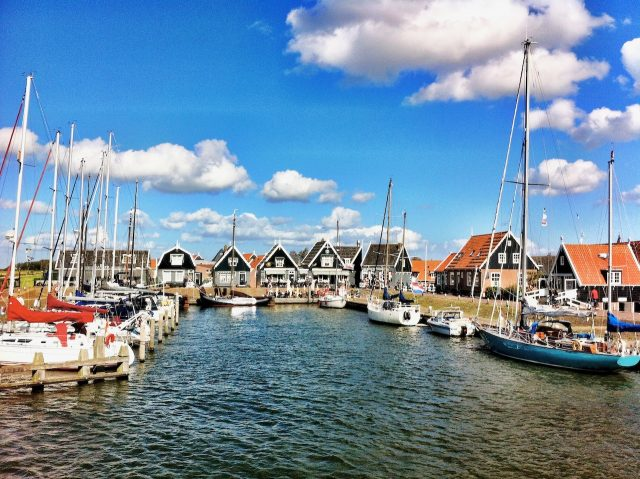 marken-harbour-photo