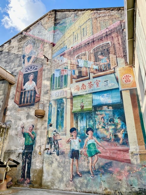 kwai-chai-hong-mural-street-scene