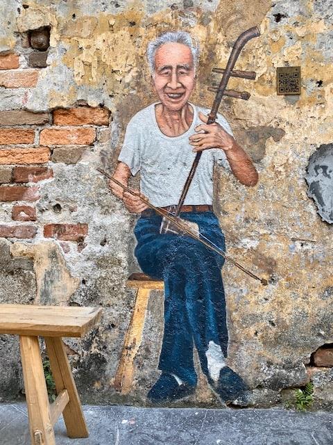 kwai-chai-hong-musician-street-art
