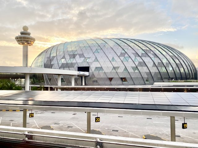 jewel-changi-airport-singapore-photo