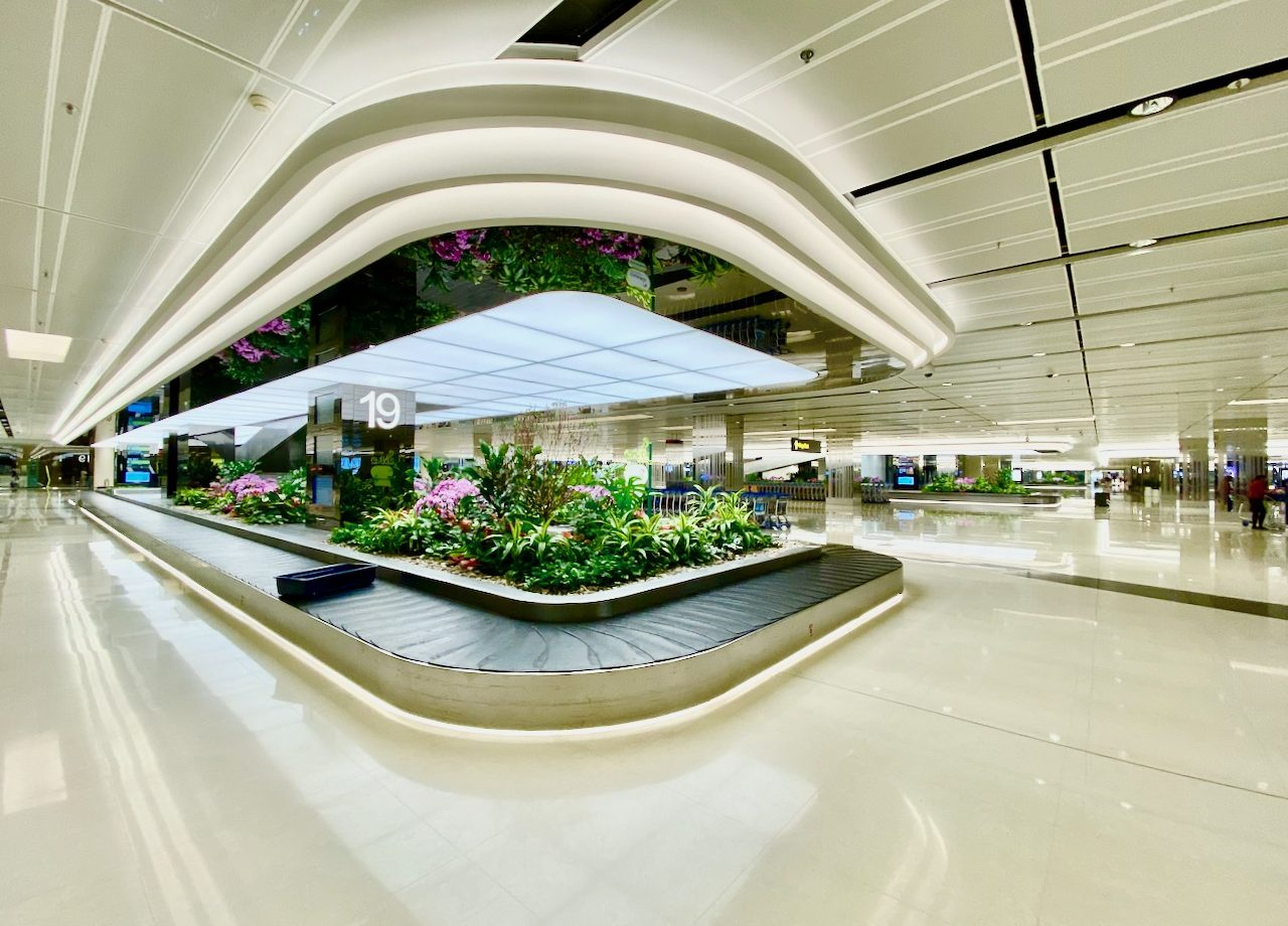 changi-airport-singapore-arrival-hall-photo