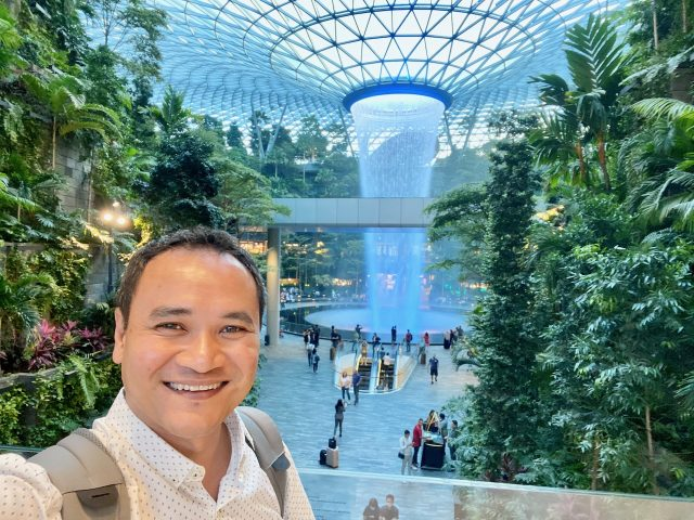 keith-jenkins-velvetescape-jewel-changi-singapore-photo