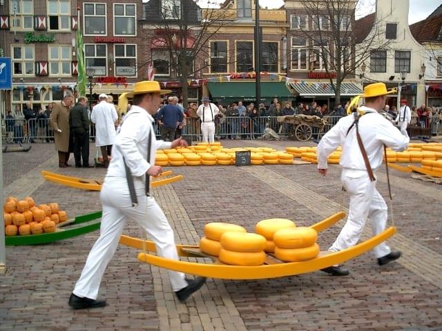 Alkmaar-cheese-market-waagplein-photo