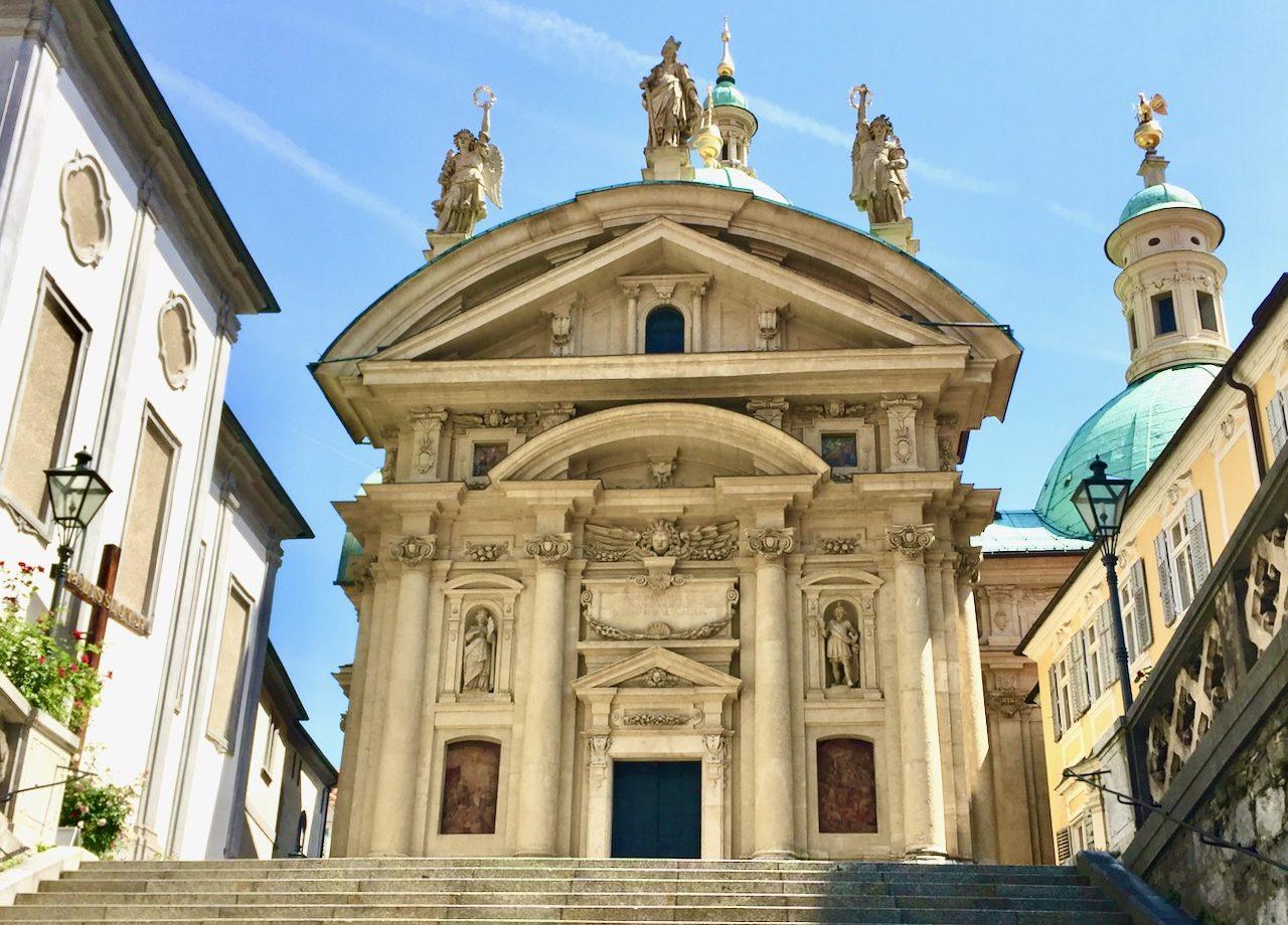 graz-architecture-mausoleum-photo