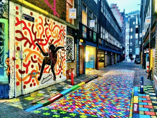 colourful-lane-street-art-amsterdam-photo