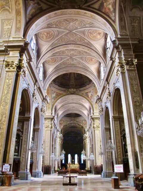 ferrara-cathedral-nave-photo