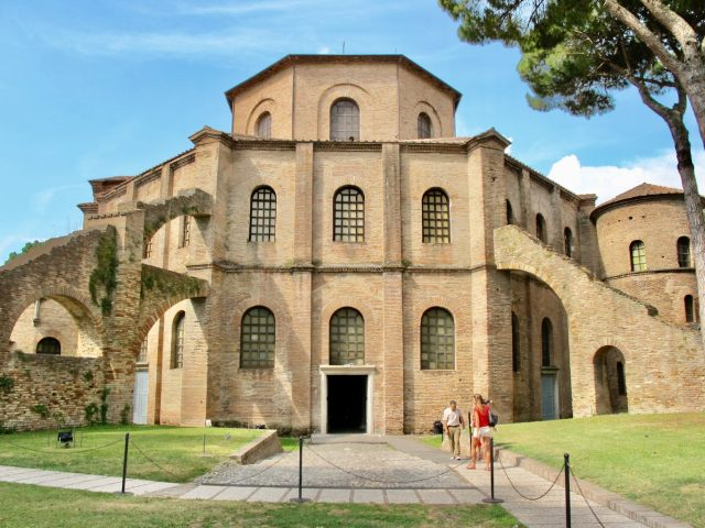 san-vitale-basilica-ravenna-photo