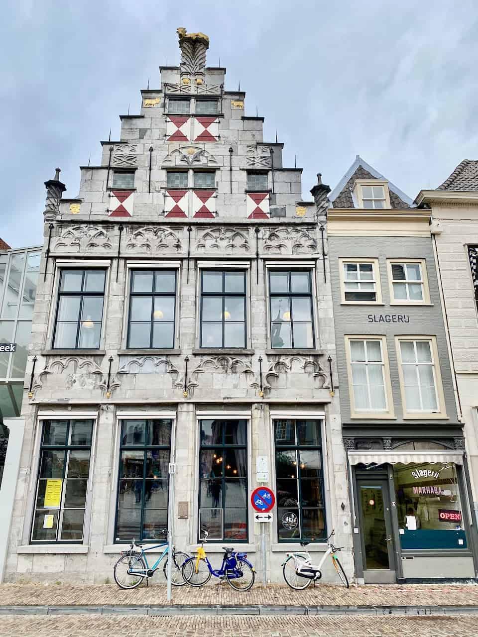 dordrecht-building-photo