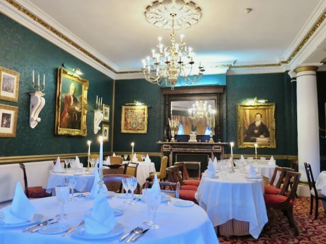 ballyseede-castle-restaurant-photo