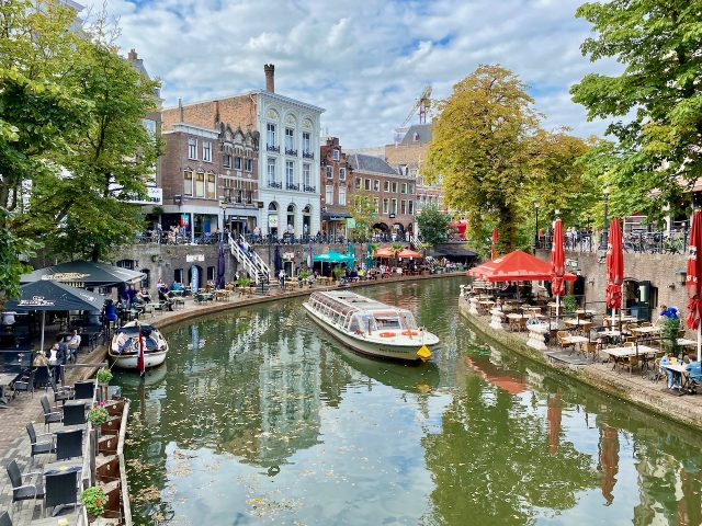 utrecht-canal-cruise-photo