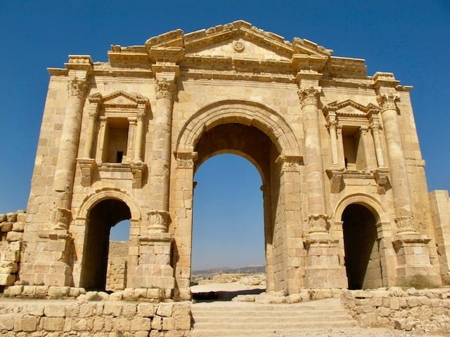 arch of hadrian jerash photo