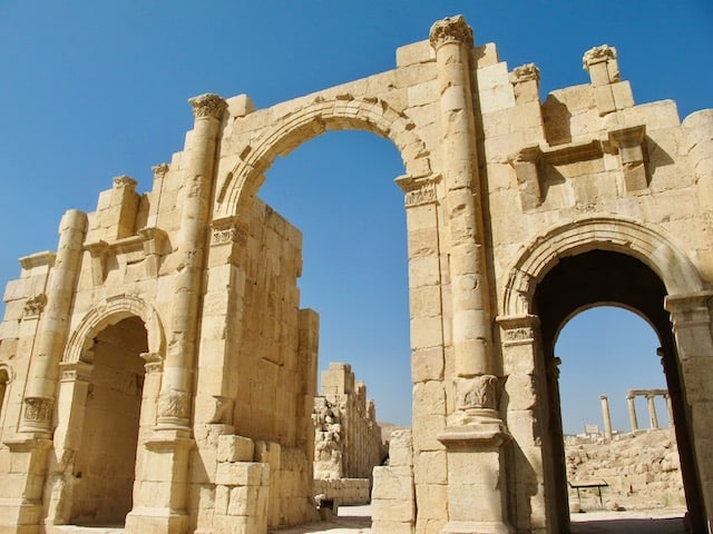 jerash-south-gate-photo