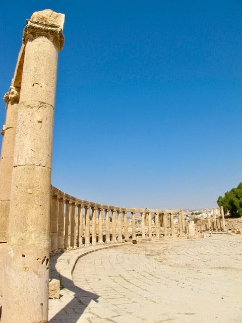oval-plaza-jerash-photo